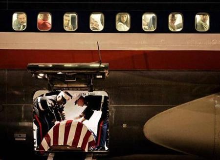 fallen-soldier-on-plane
