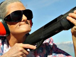 old-woman-with-gun-640x480